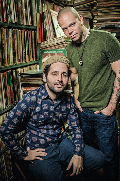 CALLE13 release new album Multi_Viral