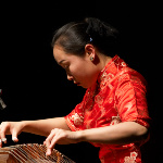 Liu Fang plays guzheng (Photo: Martin Tursic)